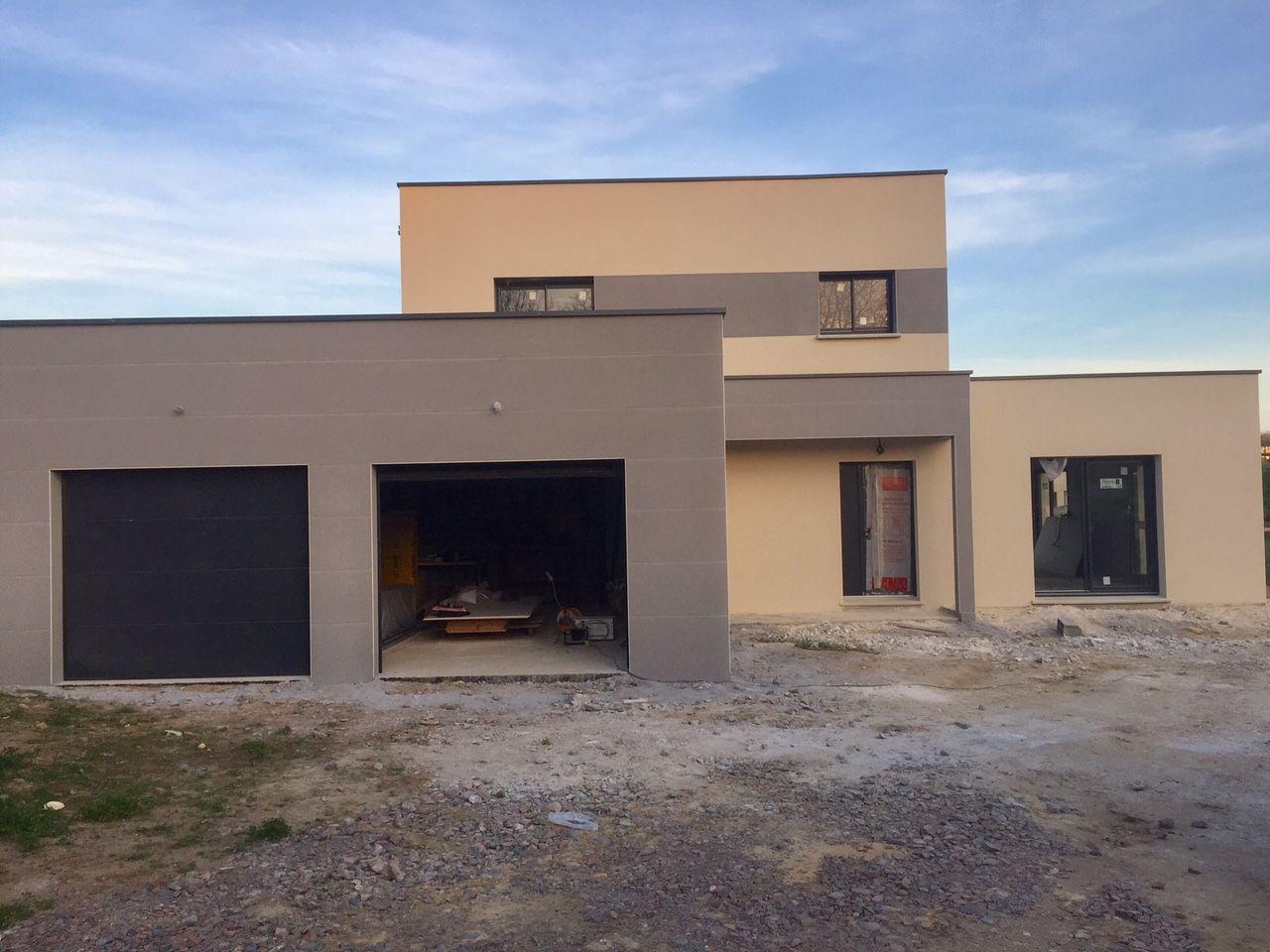 pose des menuiseries du garage toiture bac acier enduit de la maison et du garage chinon. Black Bedroom Furniture Sets. Home Design Ideas