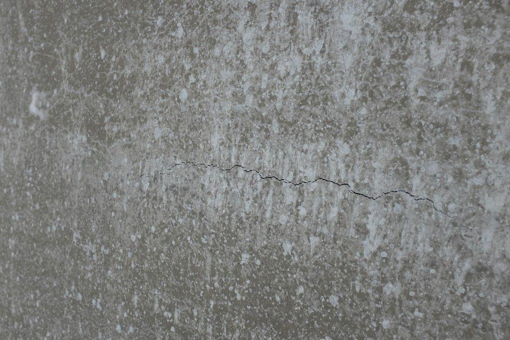 Dalle J+1 (fissure d'allure superficielle, quelques unes présentes mais pas un gruyère non plus  )