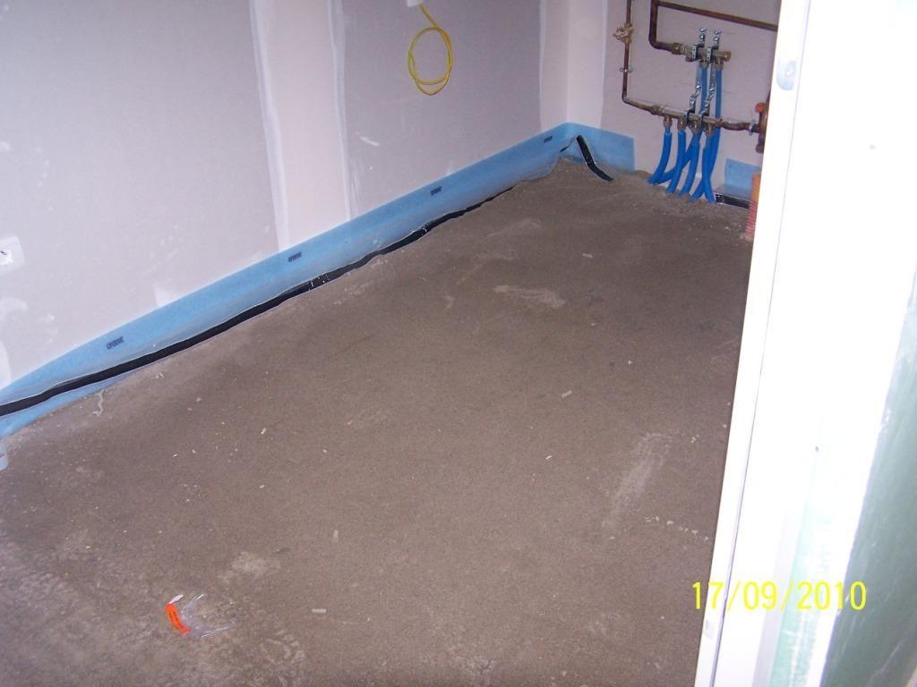Visite de chantier le carrelage est arriv le for Pose carrelage plancher chauffant