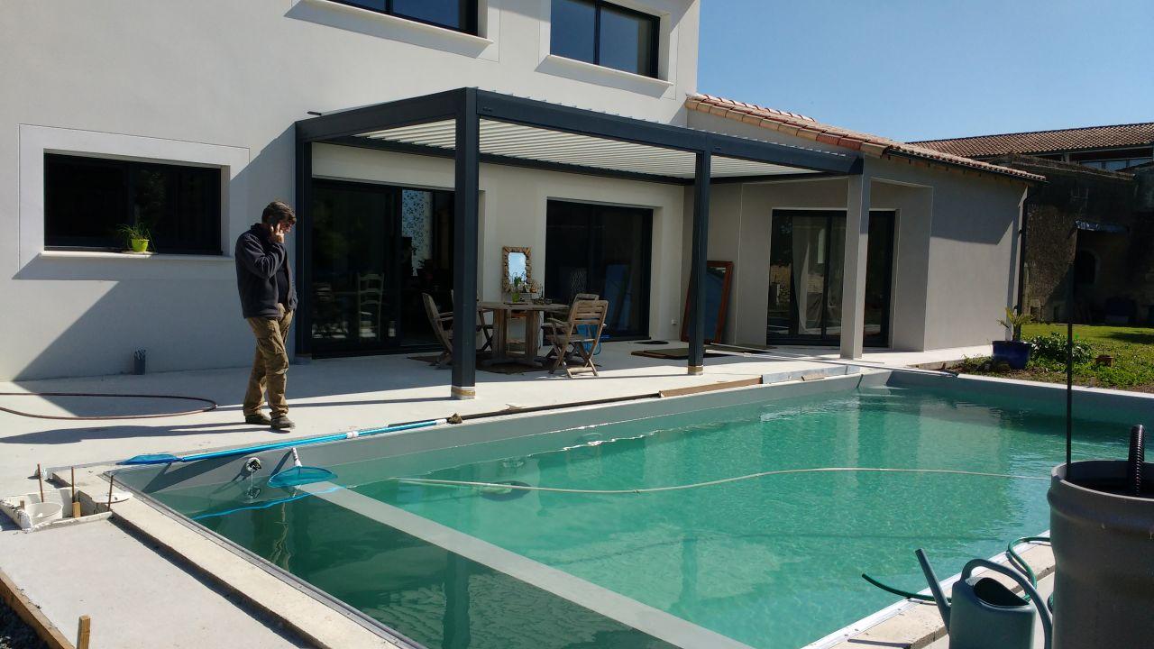 Fin de l 39 installation du chauffage piscine aiffres for Brulure et piscine
