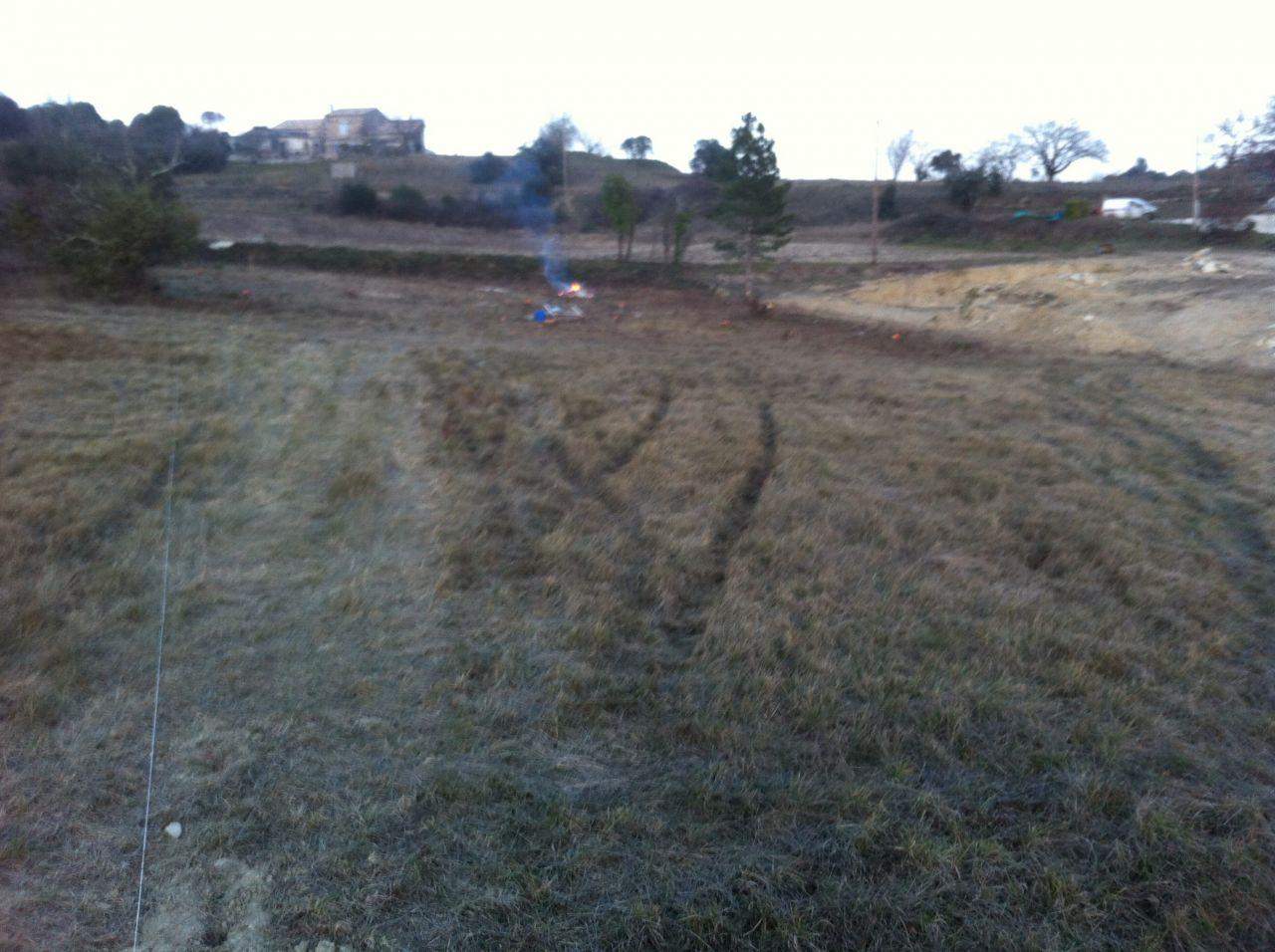 Le terrain après la coupe des arbres et le débroussaillage