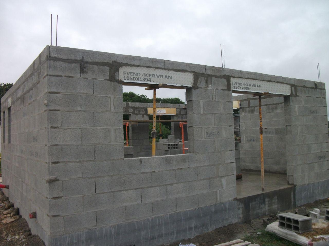 Évaluation de murs après 3 semaines de séchage pour la dalle, ce qui est très bien.