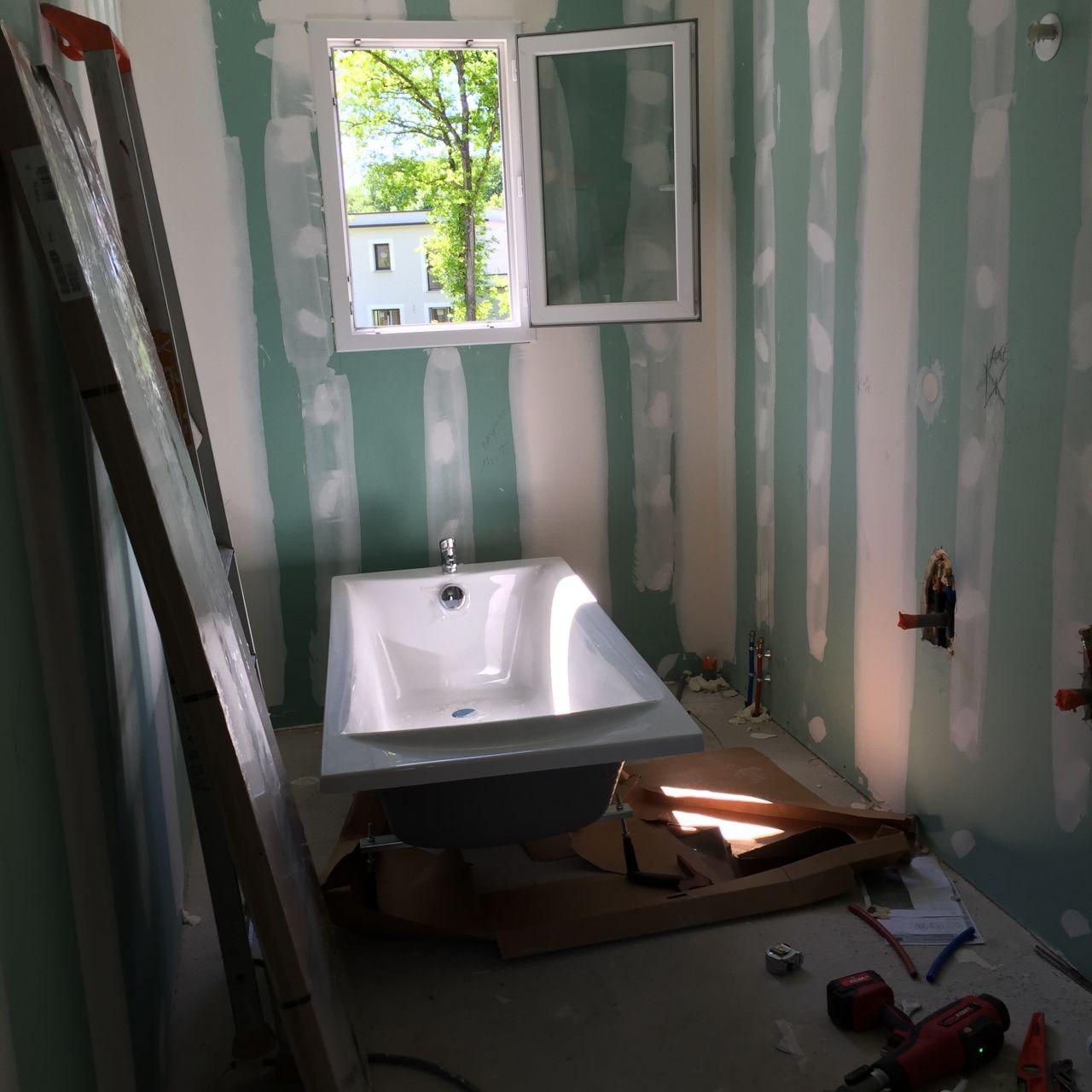 Photo la baignoire est arriv e cloisons portes int rieures yvelines 78 for Cloison baignoire