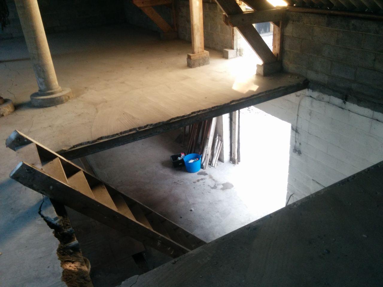 Mise en place d'un escalier provisoire
