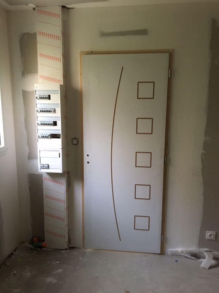 Porte intérieure entre cellier et cuisine