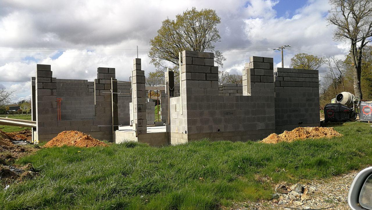 Elévation des murs du rez- de-chaussée