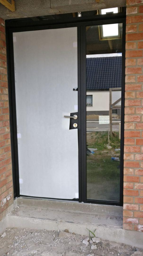 Porte d'entrée avec Tierce. 90 x 2.15 ; 50 x 2.15