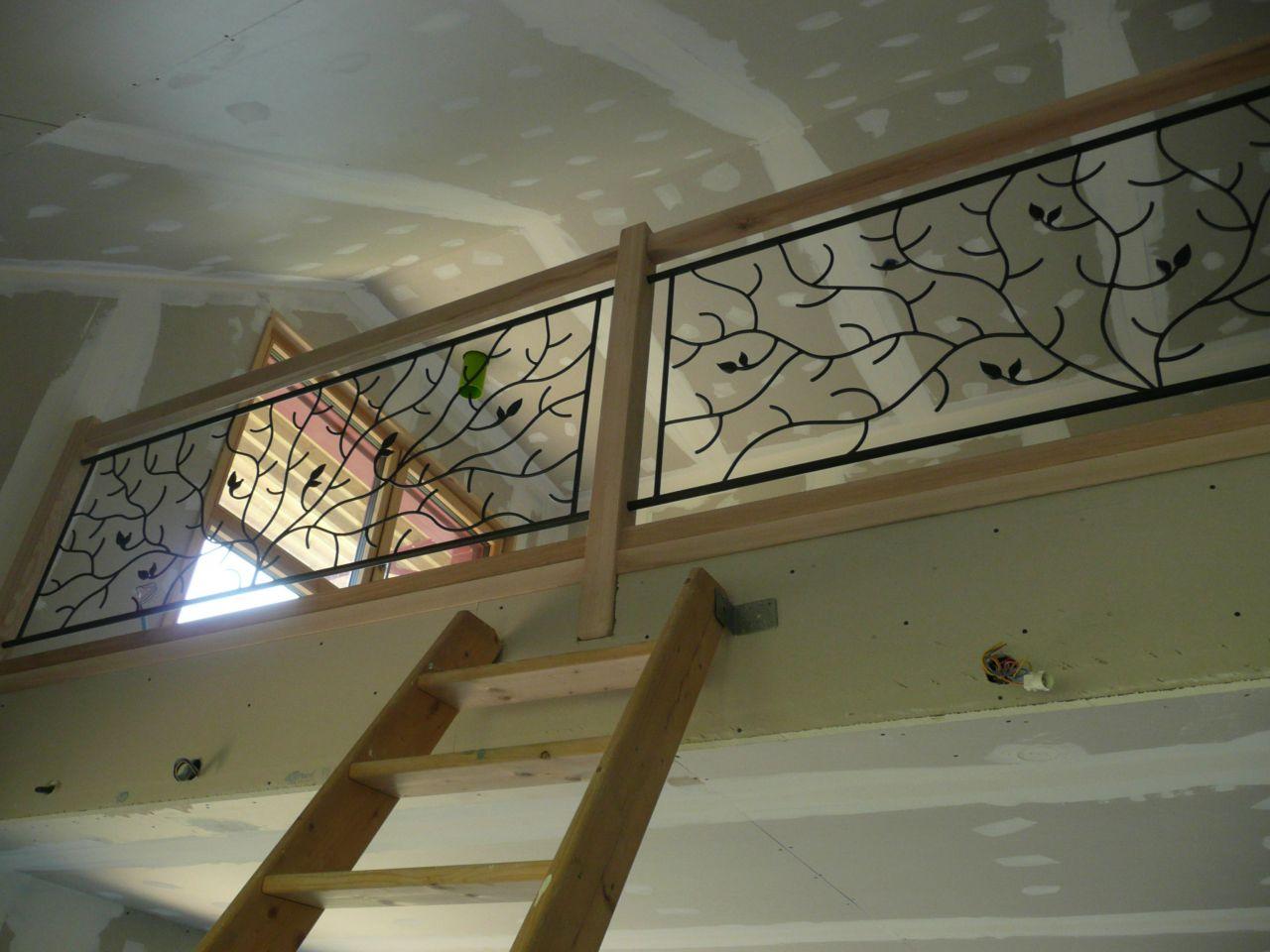 Le garde corps de la mezzanine