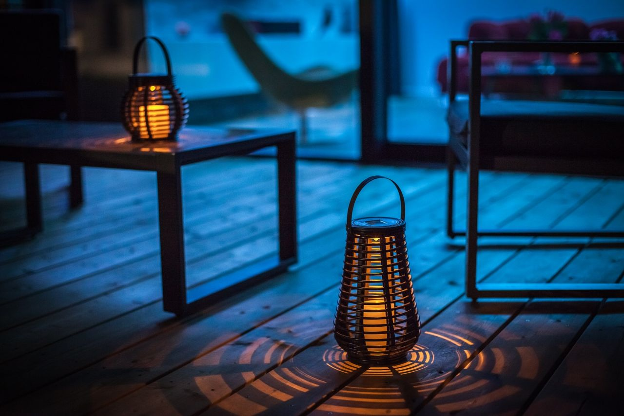 Lanternes sur terrasse