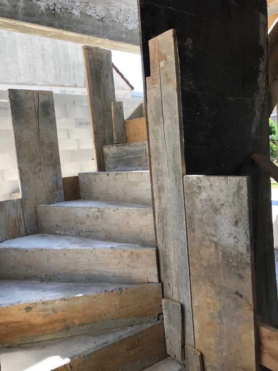 Coulage de l'escalier en béton.
