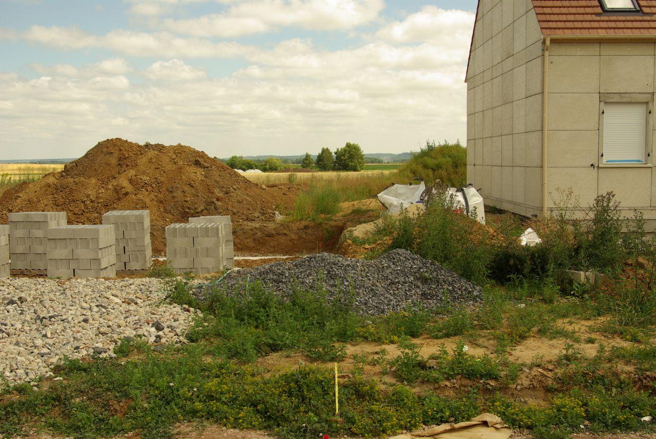3 juillet 2017. Trois autres constructions ont commencées. Dont celle-ci, une autre maison Phenix.