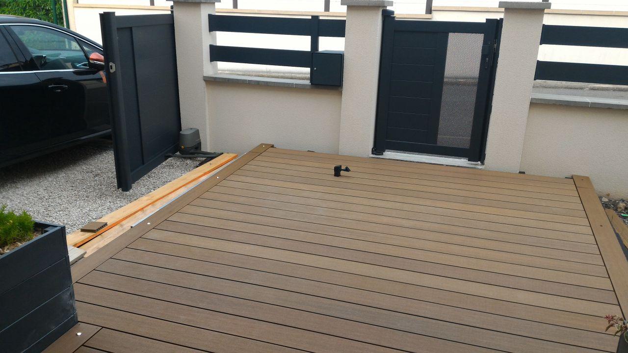 Terrasse entrée presque terminée, reste les finitions