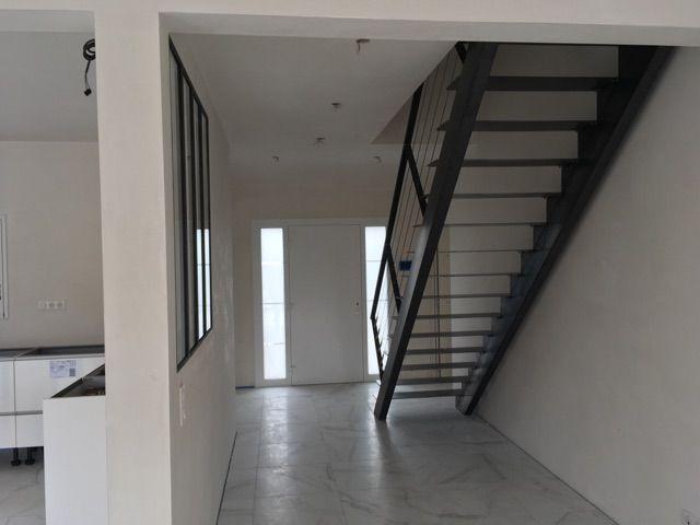 Escalier acier finition brute
