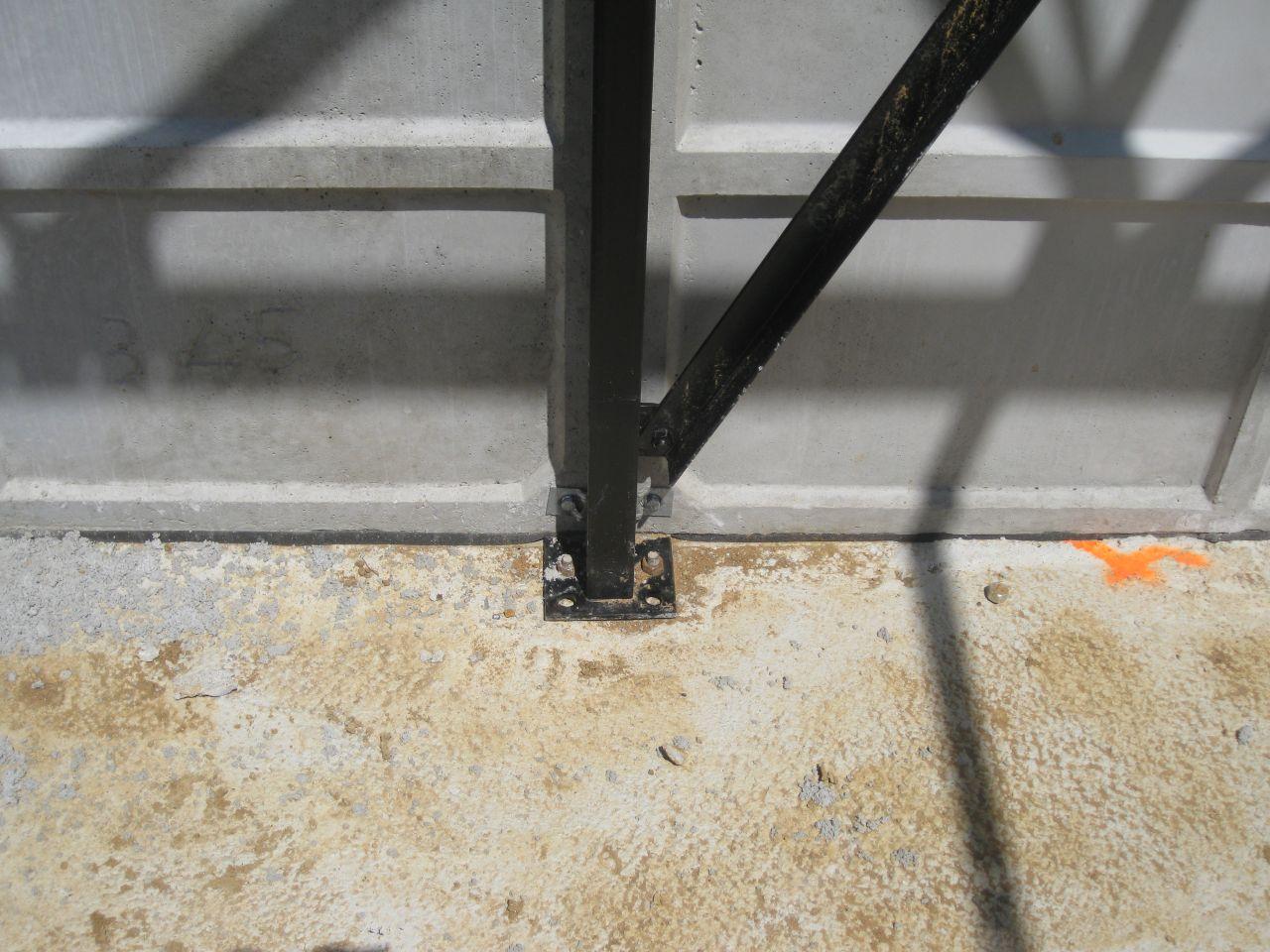 fixation barre / sol