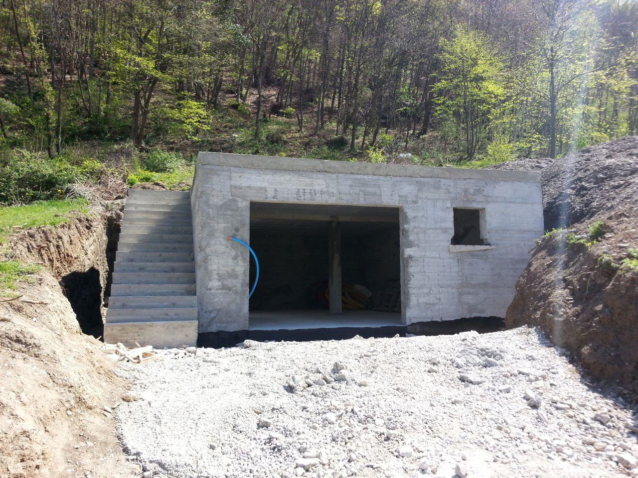 Sous-sol semi enterré en BA de 55m² environ