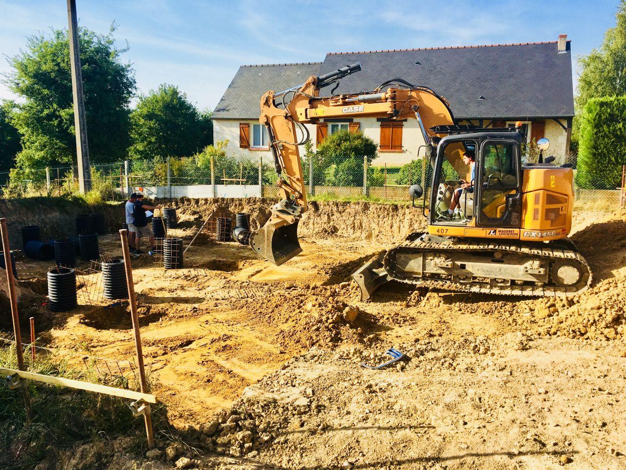 L'équipe de France Bois Modulaire en action pour le 2ème jour de terrassement.