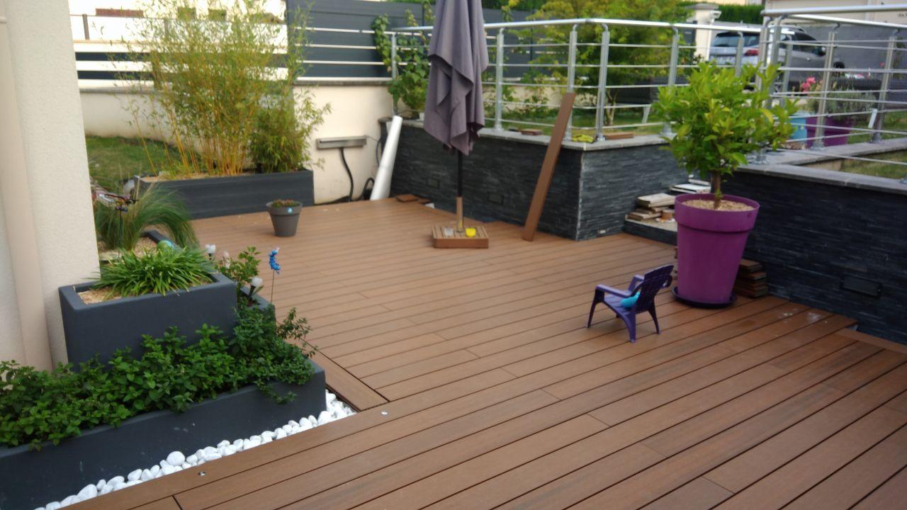 Terrasse composite terminée