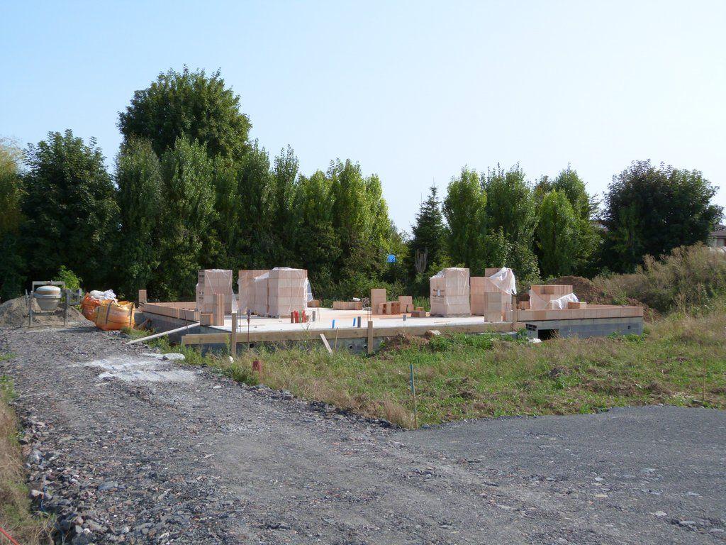 Reprise du chantier avec le début de l'élévation du rdc.