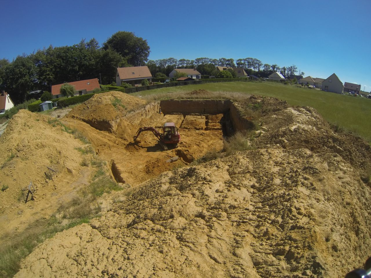 Début de creusement des fondations