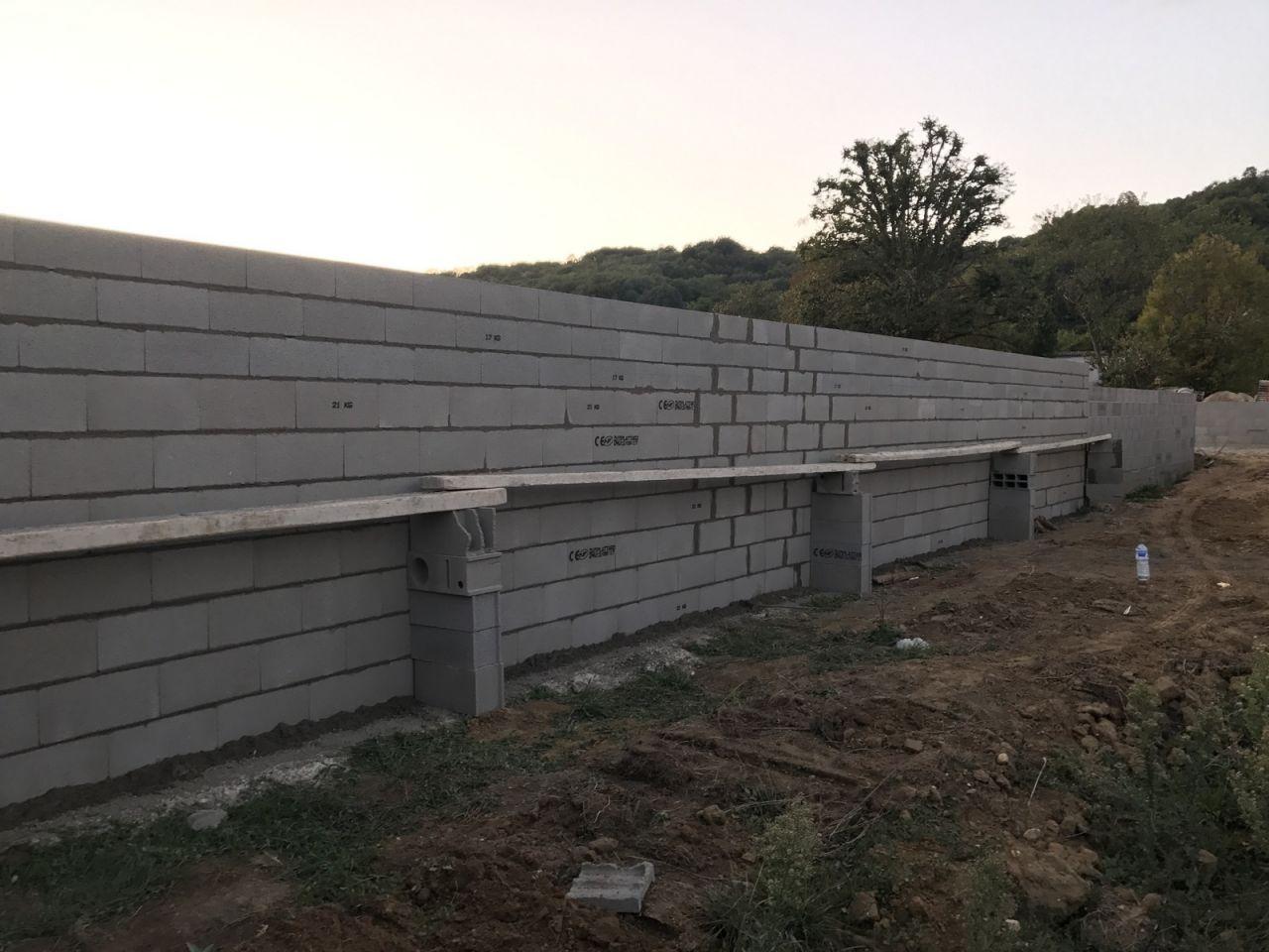 Mur de clôture avec les voisins