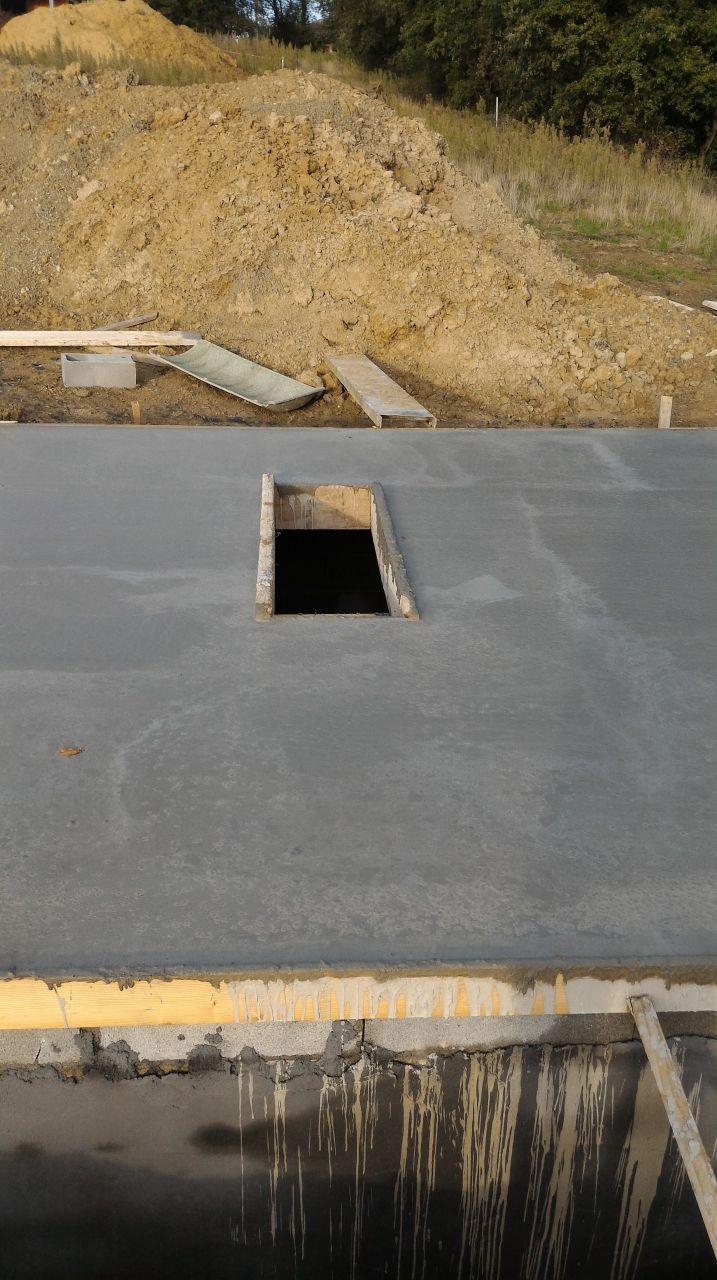 Cave complètement finie, séchage du plancher en cours