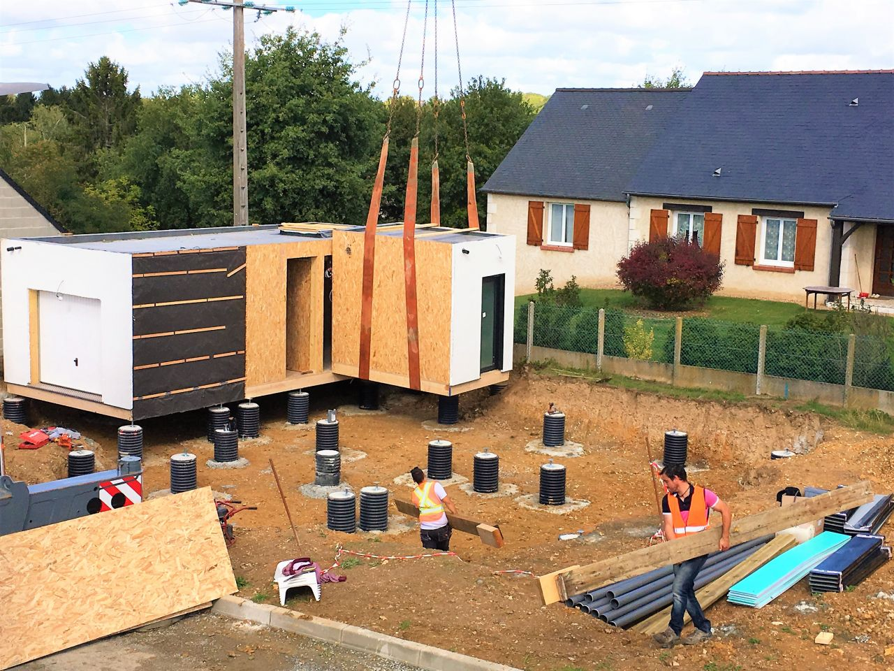 Grutage des modules qui composent ma maison ossature bois !