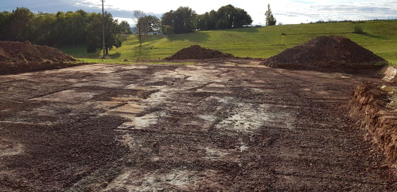 Commencement du terrassement. Maintenant attendons les fondations...