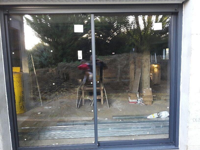 Le vitrée 2m50...Les vantaux et la position de la poignée ont été inversés