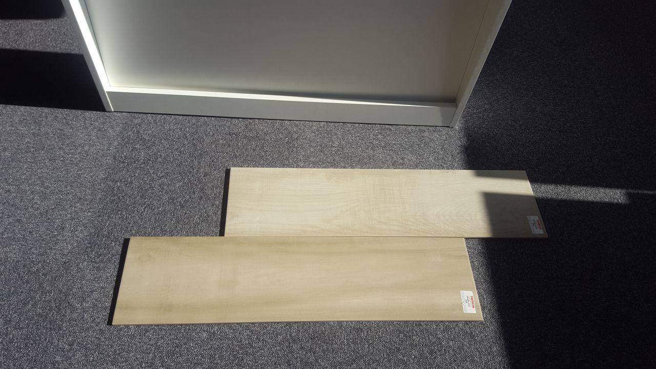 Nous avons choisi carrelage effet bois du dessous