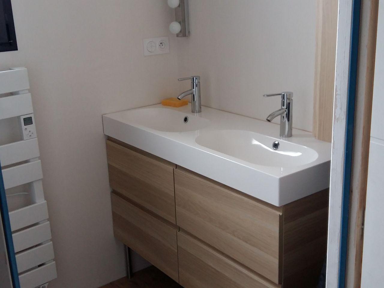 salle de bains rdc