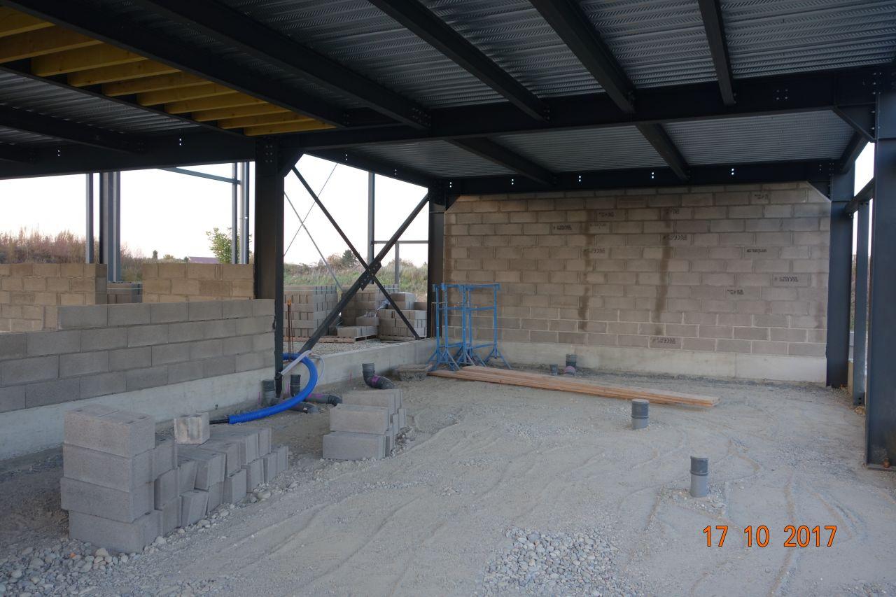 Élévation des murs de séparation coupe feu
