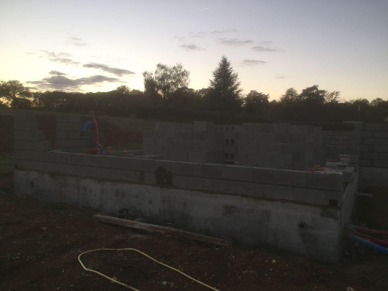 Le 1er jours de l'élévation des murs