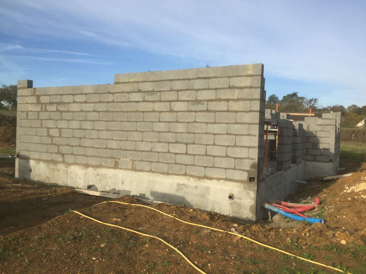 Le 2ème jours de l'élévation des murs
