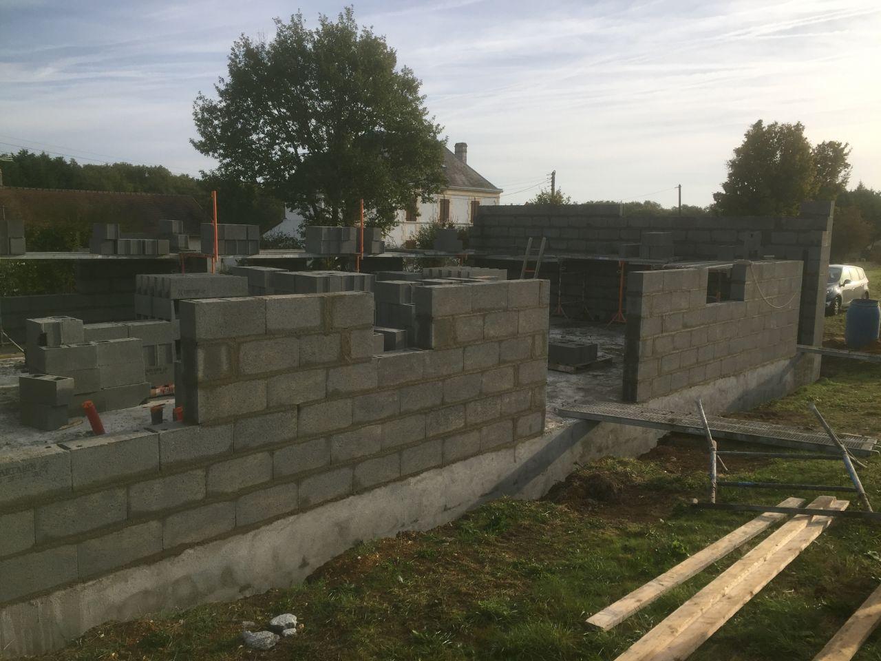 Le 2ème jour de l'élévation des murs
