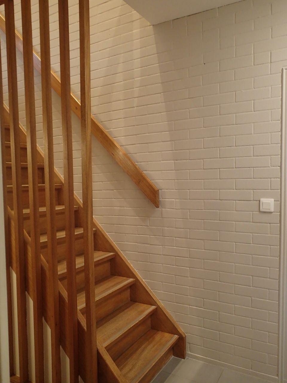 Escalier avec peinture finie