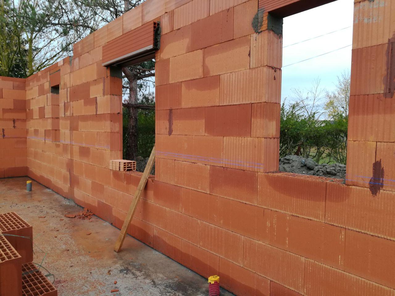 élévation des murs, mur est