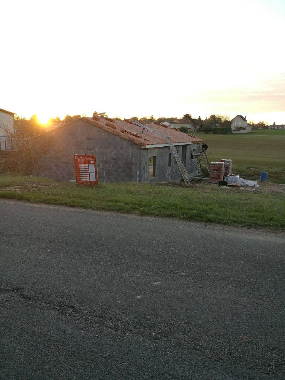 Tuiles façade avant posées