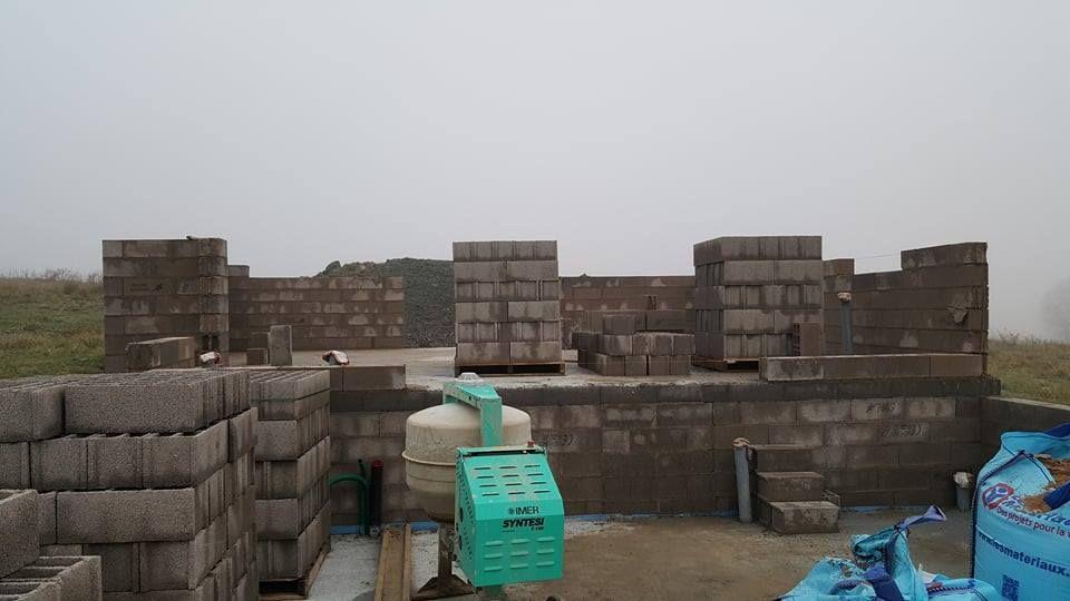 Elévation des murs du rez-de-chaussée