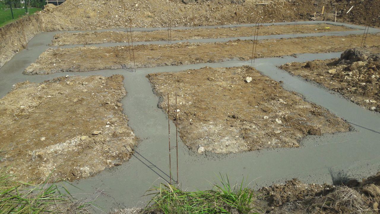 coulage des fondations qui vont recevoir le vide sanitaire