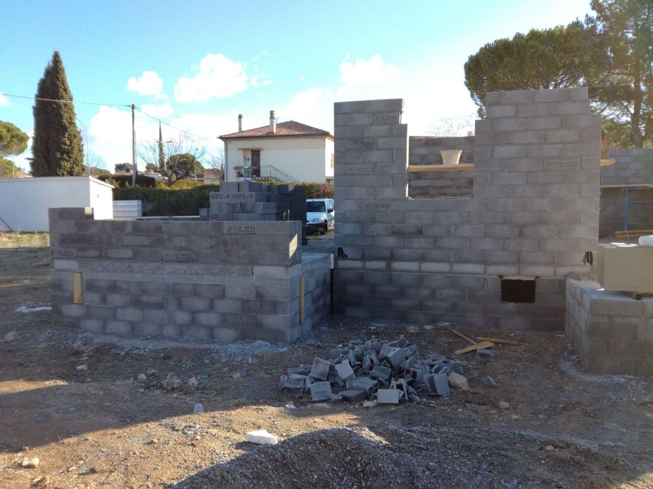 """Coté terrasse Ouest - Garage """"In progress"""""""