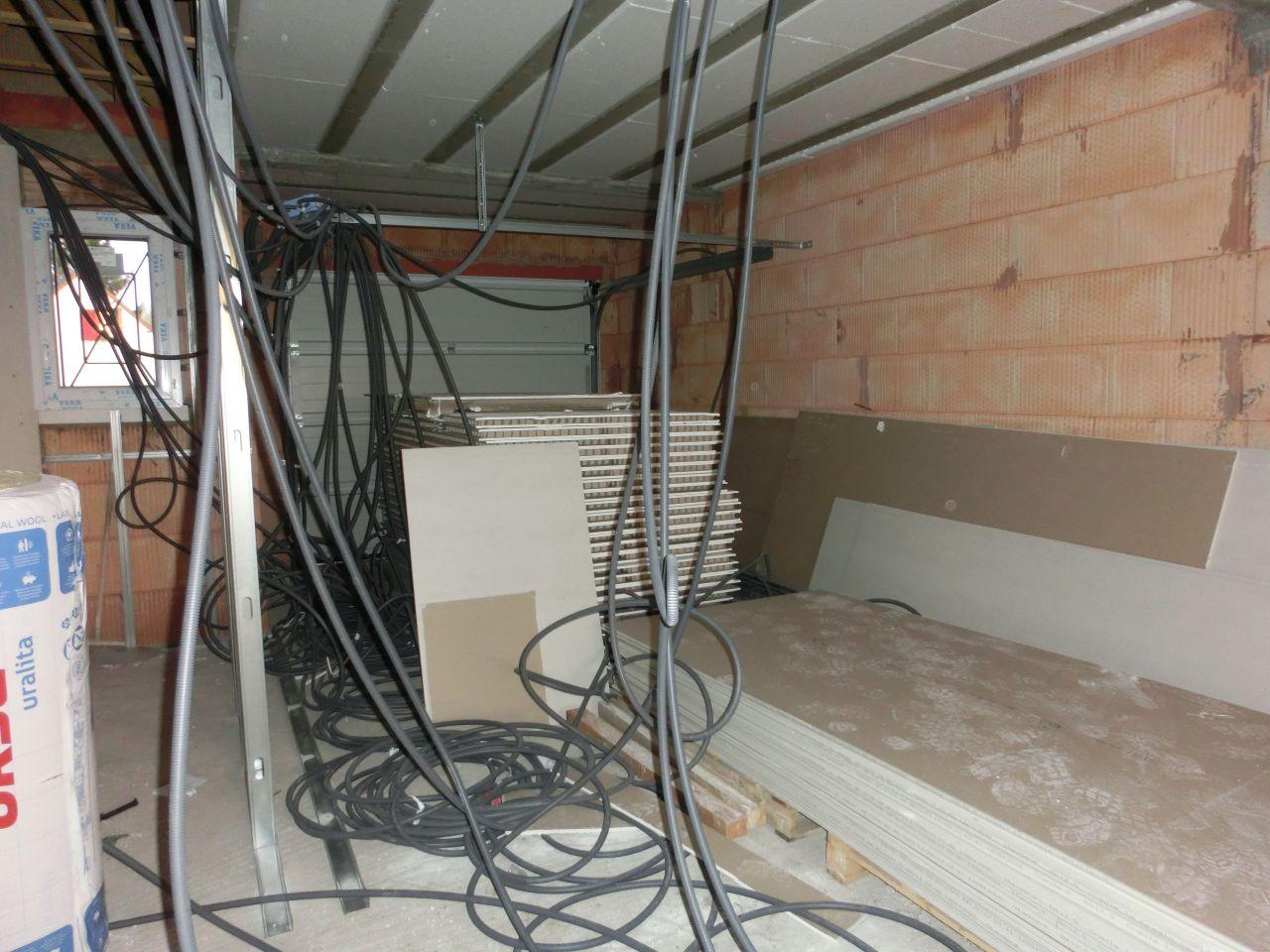 Vu intérieur du garage.