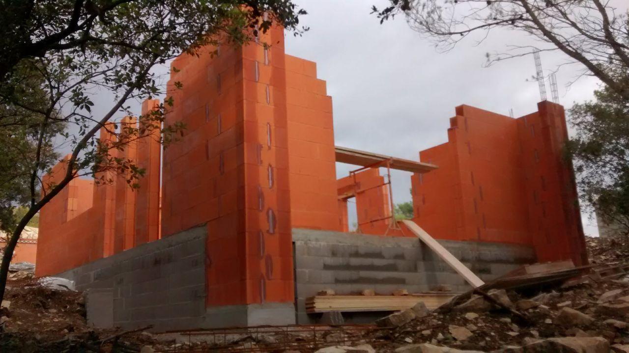 élévation des murs avant pose des coffres