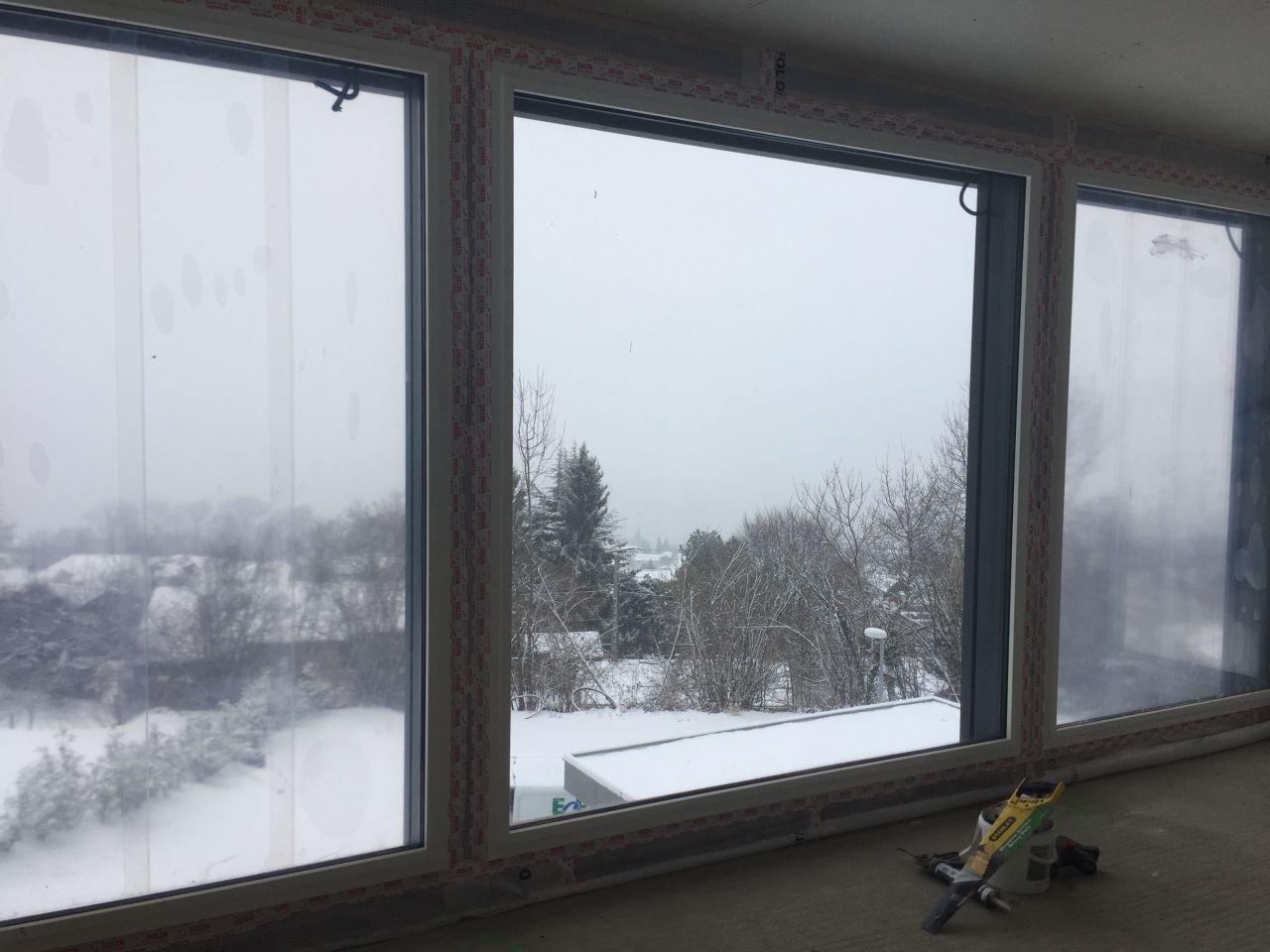 vue depuis l'intérieur sous la neige