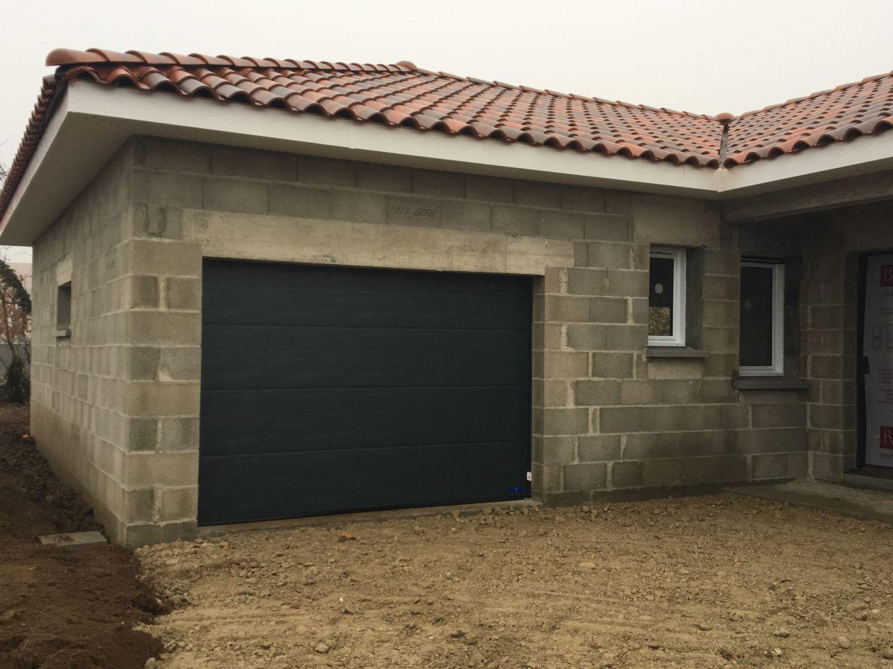 Porte de garage 3 mètres motorisée