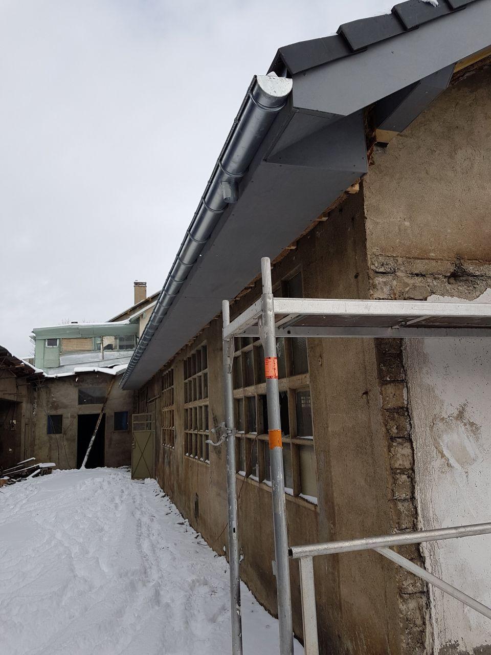 dépassés de toit