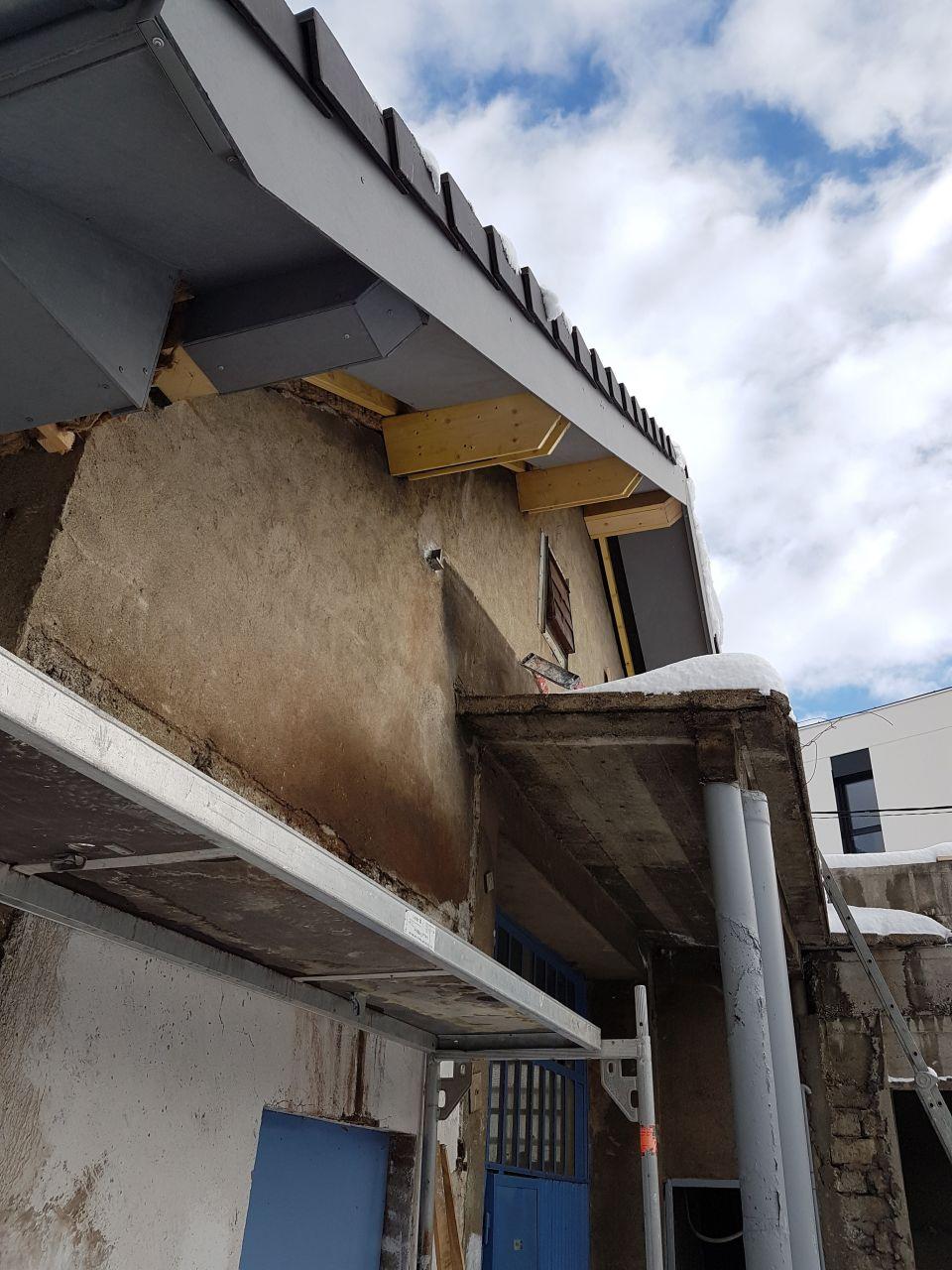 dépassés de toit pignon sud