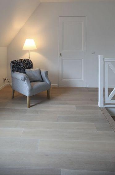 portes choisies pour l'étage <br />  <br /> porte en bois laquées en blanc