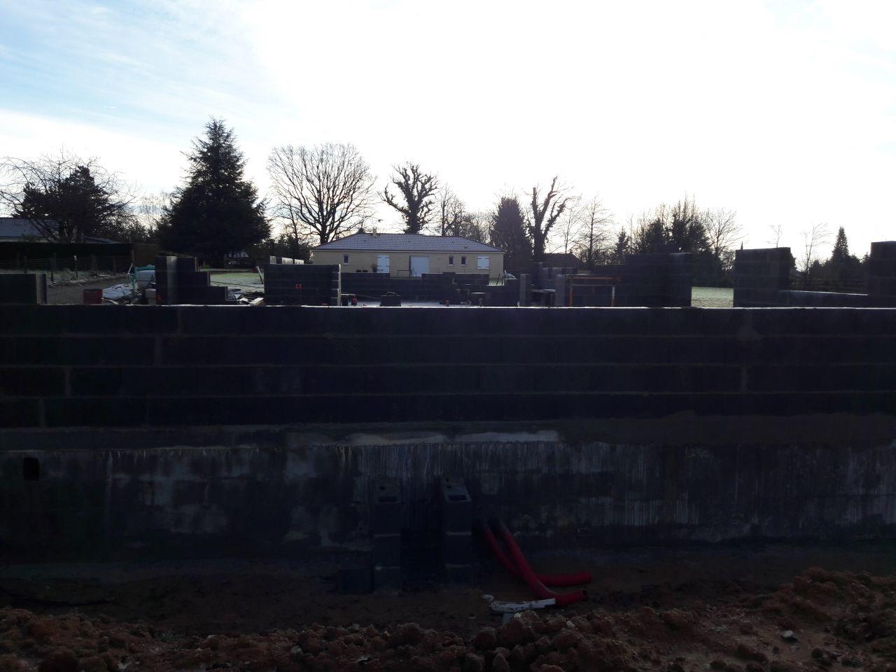 Élévation des murs après 3 jours de travail !