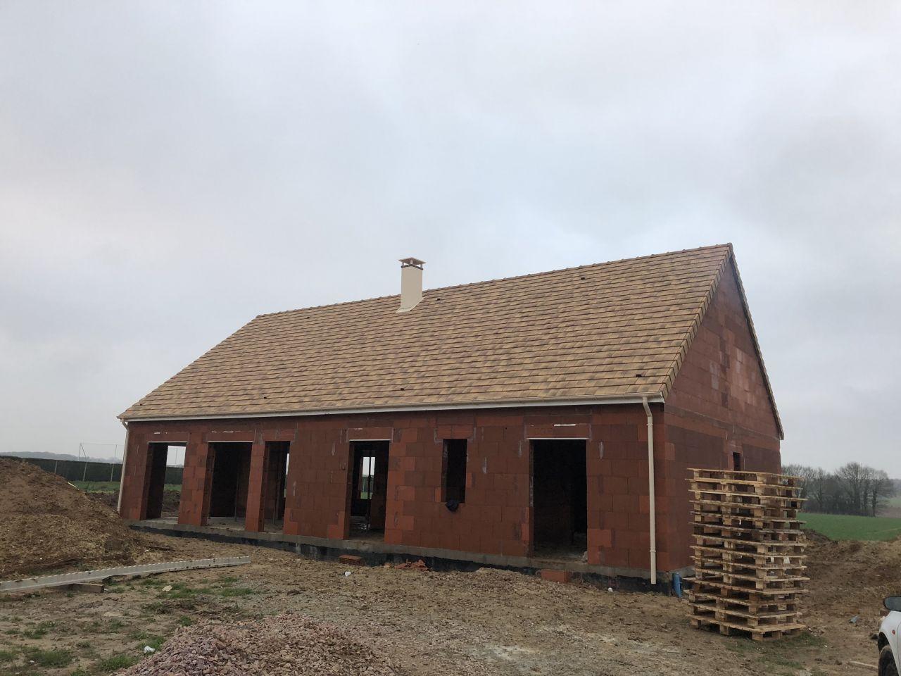 Couverture de la maison terminée.