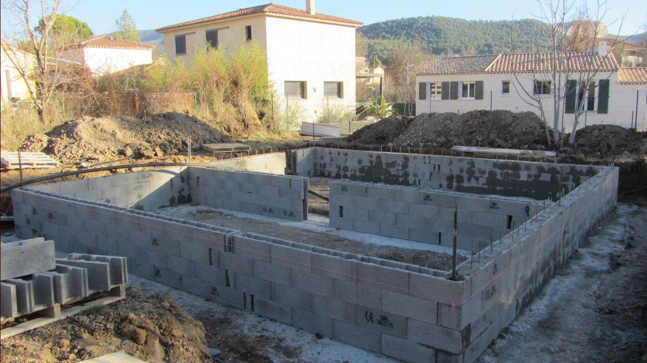 Création du vide sanitaire en bloc à bancher
